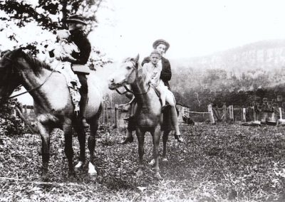 Lily McGill riding with the Foran Family at Green Mountain, Yellow Rock c.1930. Donated by Carole O'Meley.